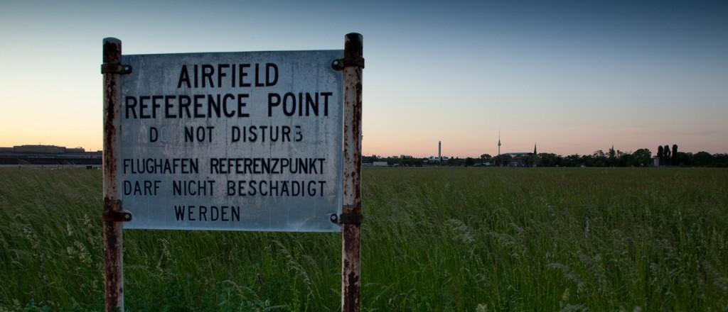 Blick auf das Flugfeld des Flughafen Berlin Tempelhof
