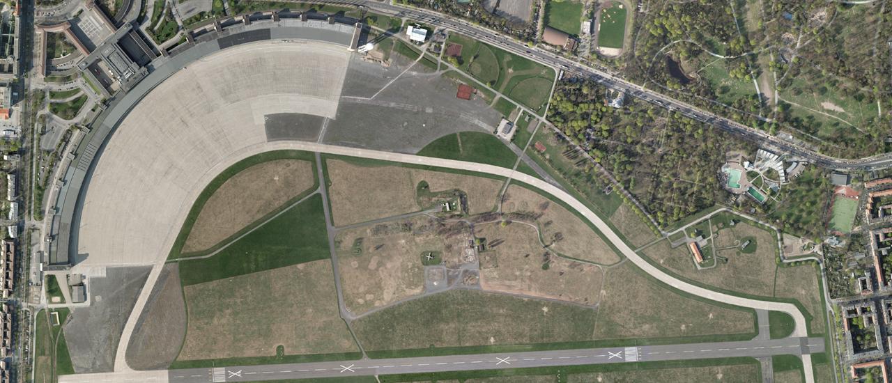 Luftbild Teilausschnitt: Das Tempelhofer Feld von oben