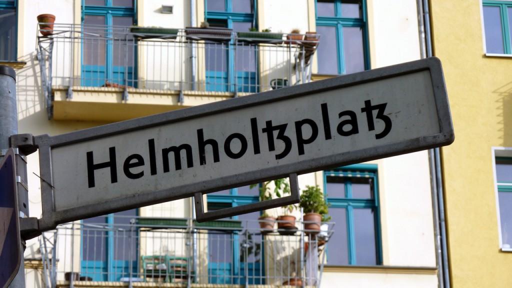 Berlin Prenzlauer Berg - Sanierungserhaltungsgebiet Helmholtzplatz - Bild 1