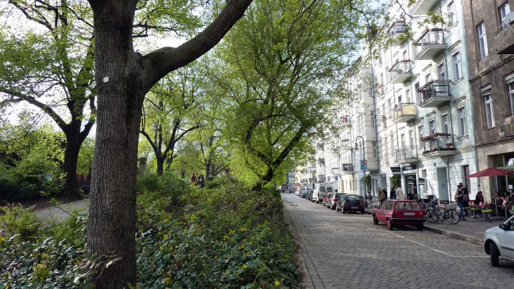 Berlin Prenzlauer Berg - Sanierungserhaltungsgebiet Helmholtzplatz - Bild 3